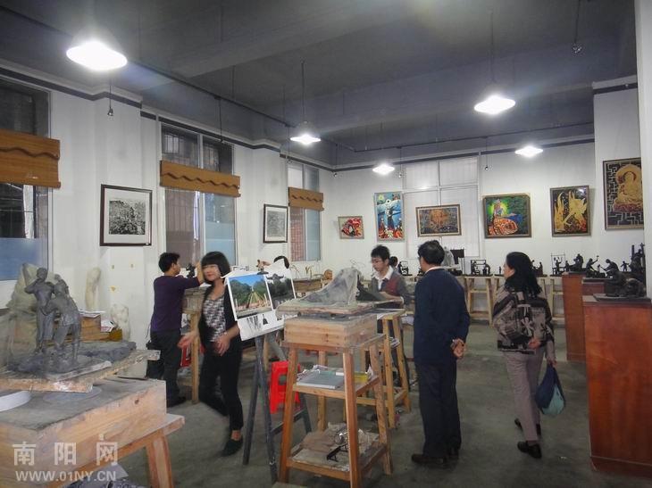 走进武汉 三汉雕塑工作室 感受民间雕塑艺术魅力