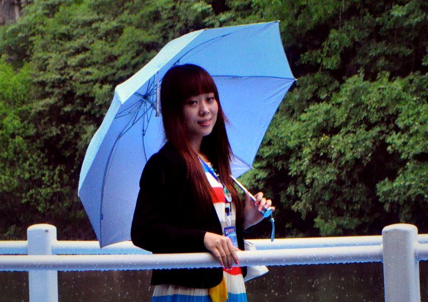 雨中美女2jpg