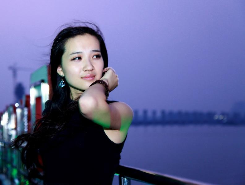 _襄阳摄影群里的美女