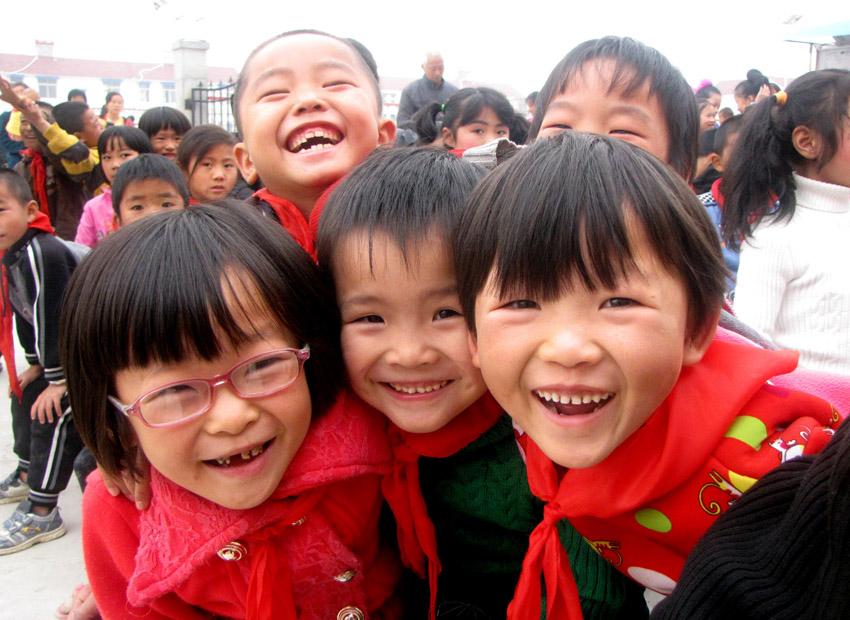 【移民小学采风】移民小学生灿烂的笑脸