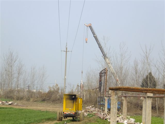 施工时塔吊遇到,高压线的情况要怎么处理-塔吊安装与