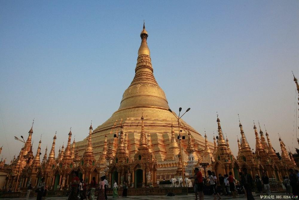 它是缅甸最神圣的佛塔