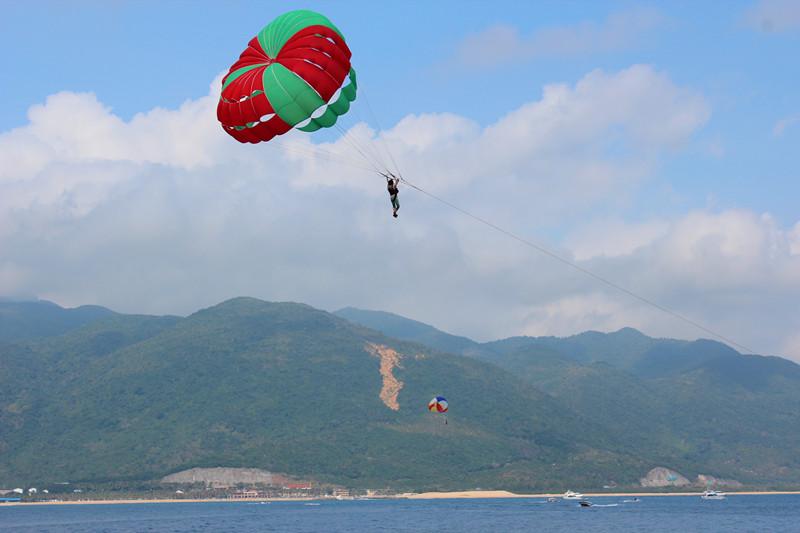 拖拽伞---海南分界洲岛风光