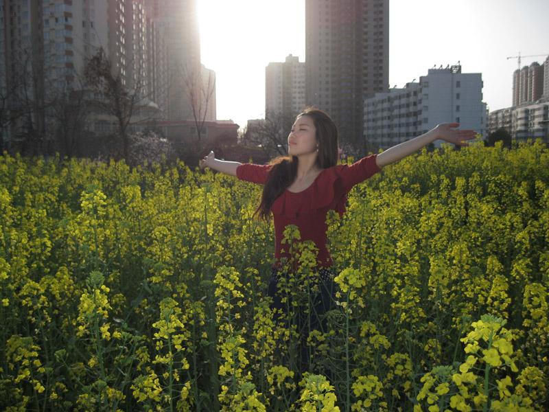 油菜花中美女-老板美女-36行人像-bbs.中社区甲人物图片