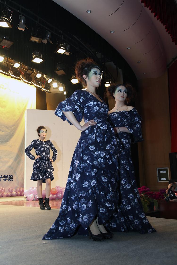 师院服装设计大赛--钢管舞表演 61  师院服装毕业设计【戏曲脸谱