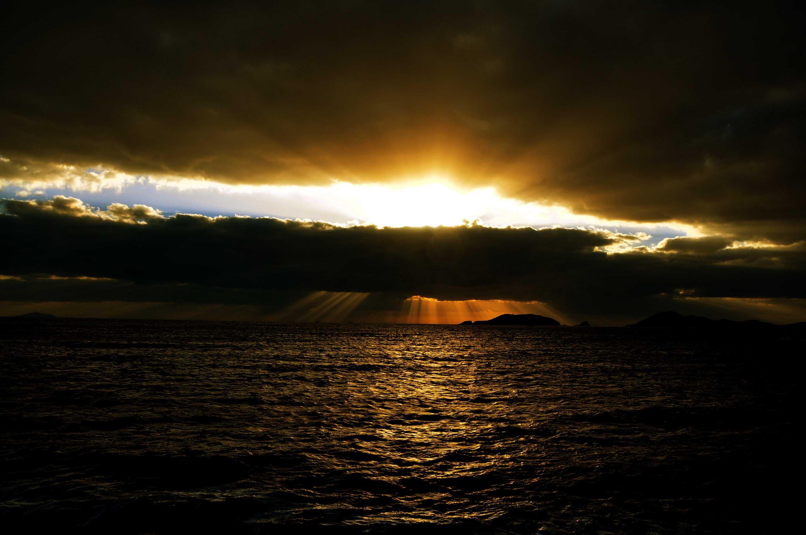 舟山群岛---日出霞光遇拍