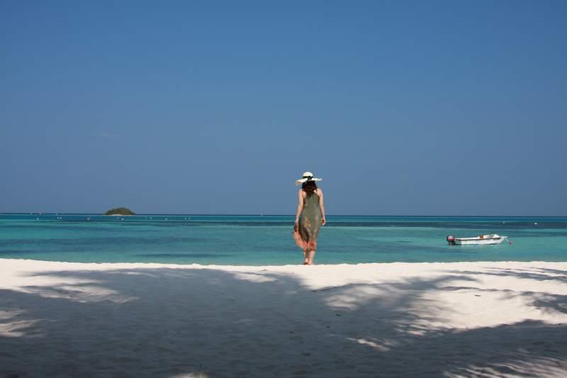 漫步白沙滩(马尔代夫风光)