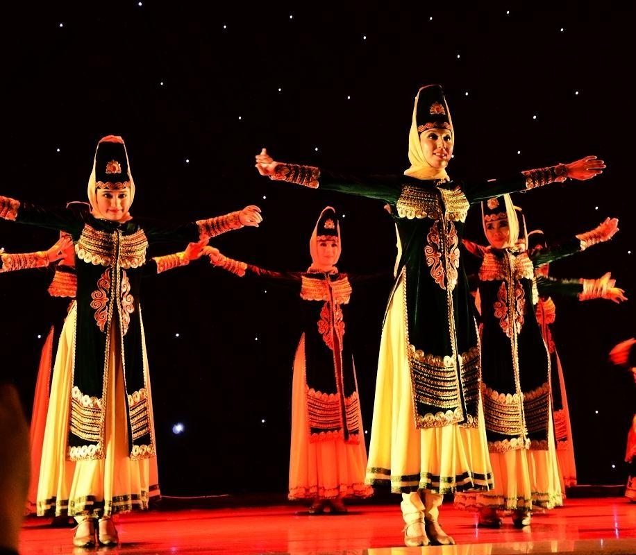 69 【光影中国】 69 人物人像 69 新疆歌舞【二】   参与人数 1