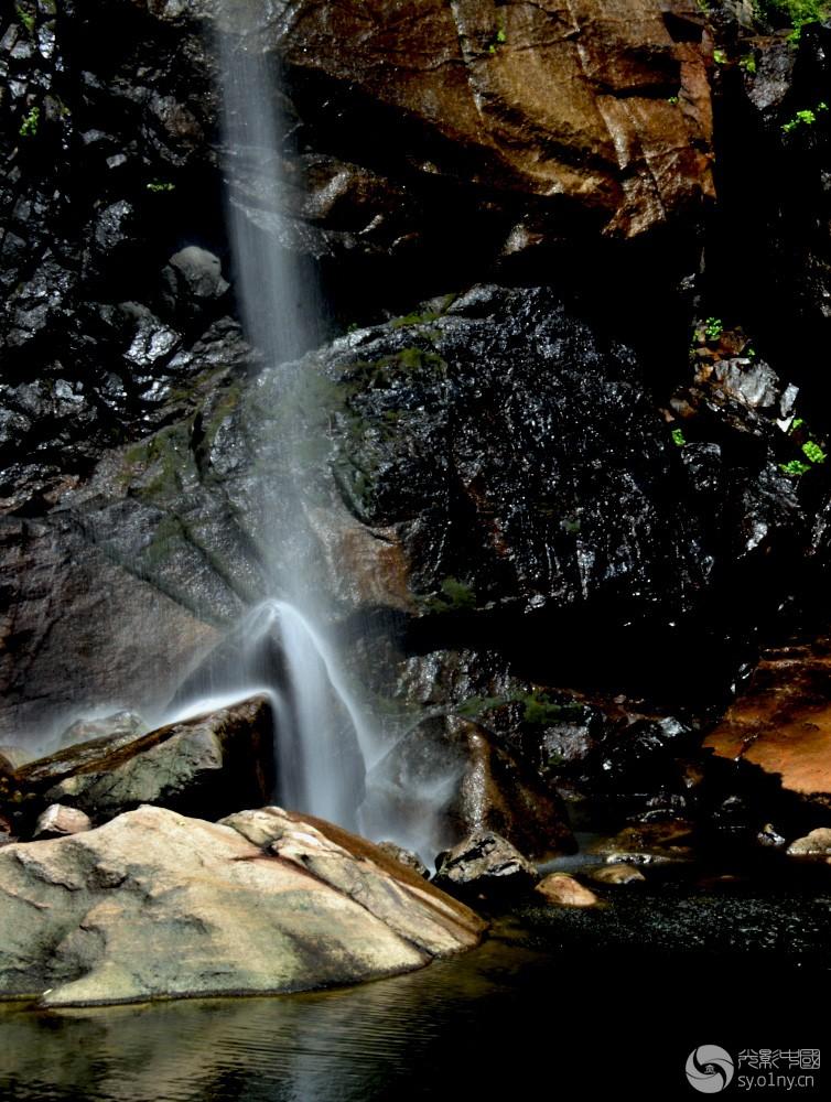 壁纸 风景 旅游 瀑布 山水 桌面 754_1000 竖版 竖屏 手机