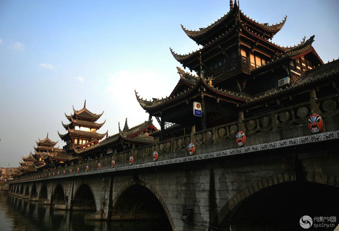潺亭水城已成为罗江标志性景观,凡是到罗江旅游观光的均要到太平廊桥