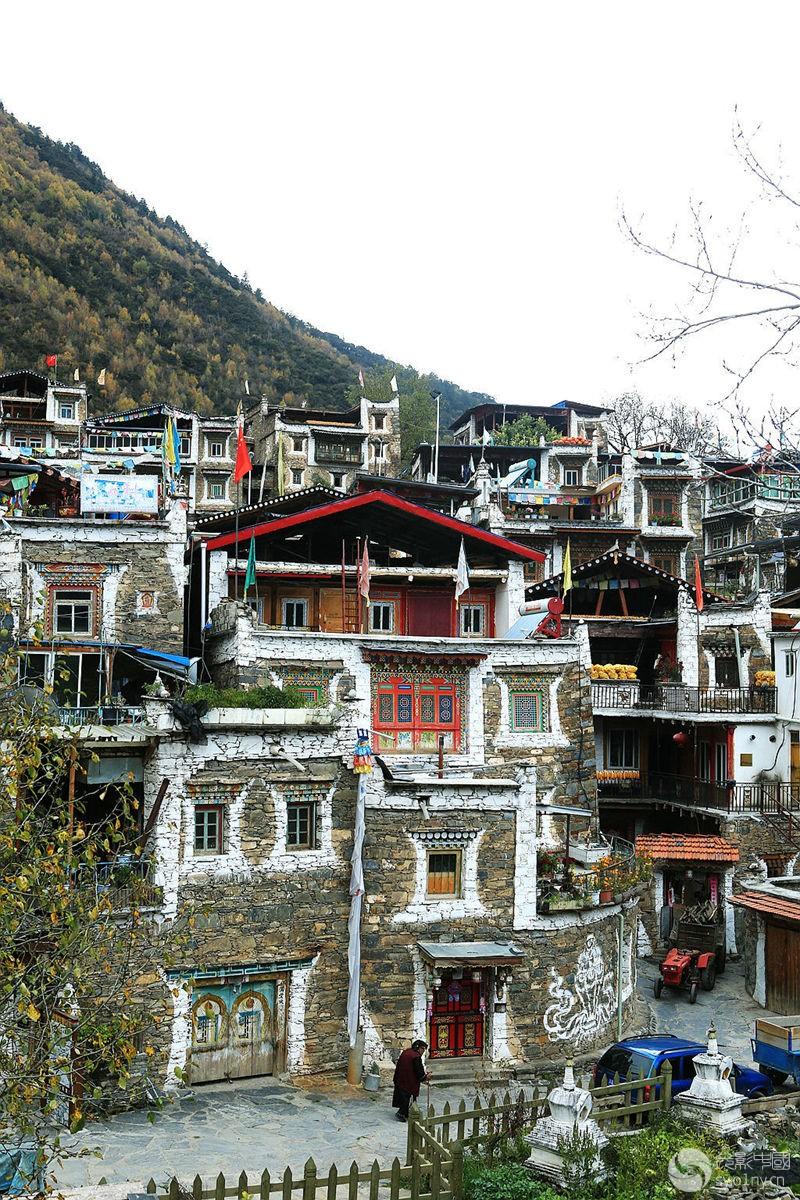 马尔康西索嘉绒藏族民居