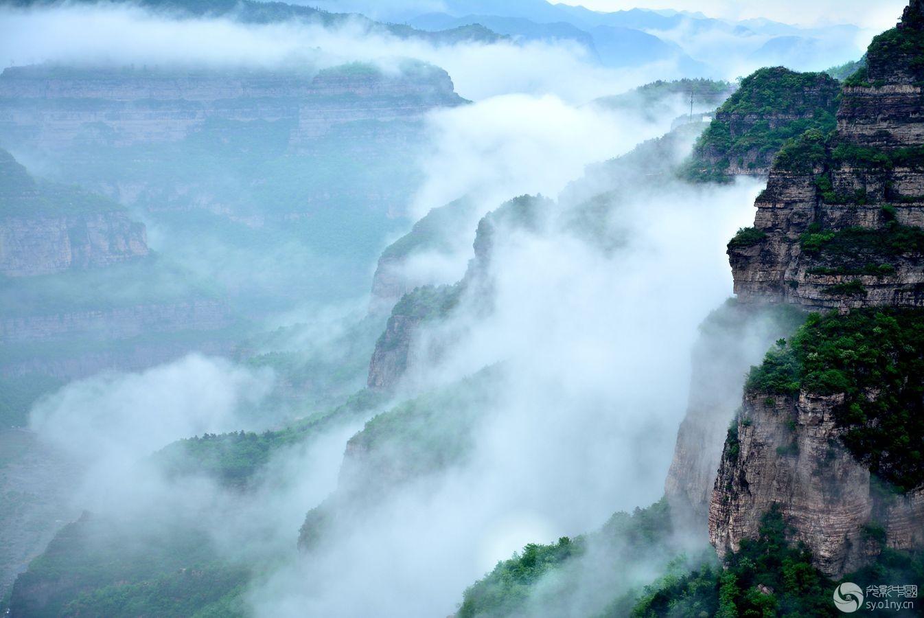 壁纸 风景 旅游 瀑布 山水 桌面 1346_900