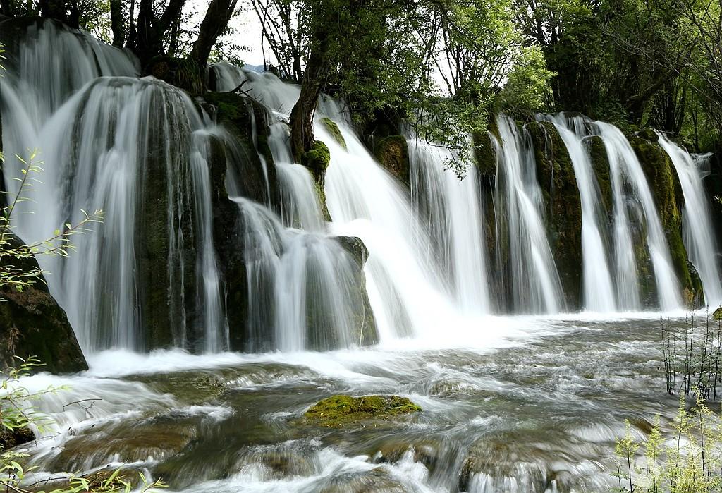 壁纸 风景 旅游 瀑布 山水 桌面 1024_699