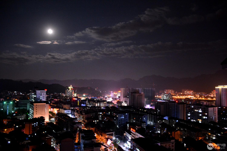 月光下的庸城-行摄风光-36行南阳社区-36.01n