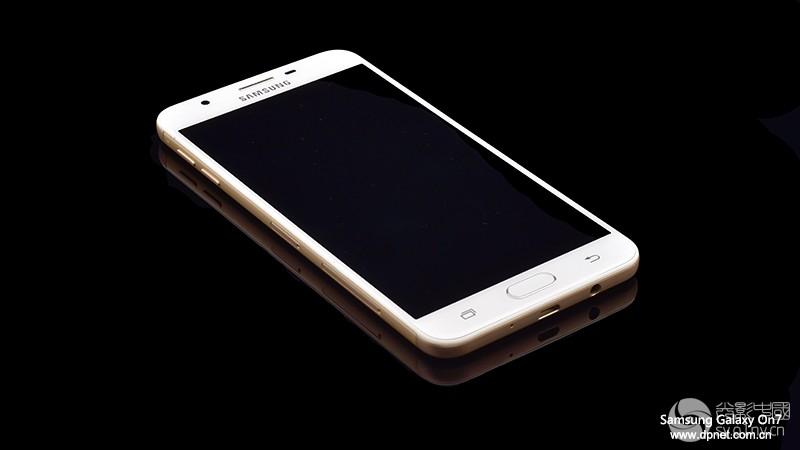 Samsung_On7_19.jpg