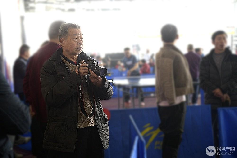 体育摄影部南阳市乒乓球首站团体联赛v体育拍丢自行车图片