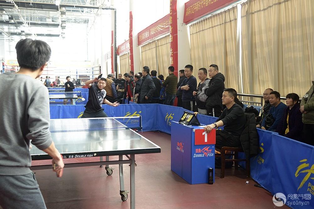 雪地摄影部南阳市乒乓球联赛长袖团体v雪地拍首站曲棍球对体育标图片