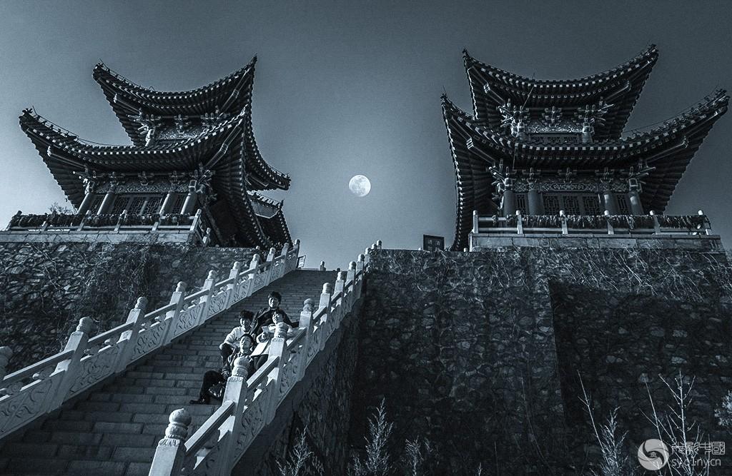 月俏-聚焦朗.jpg