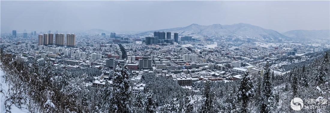 333.《东南西北(春夏秋冬)瞰山城...组照》-2.jpg