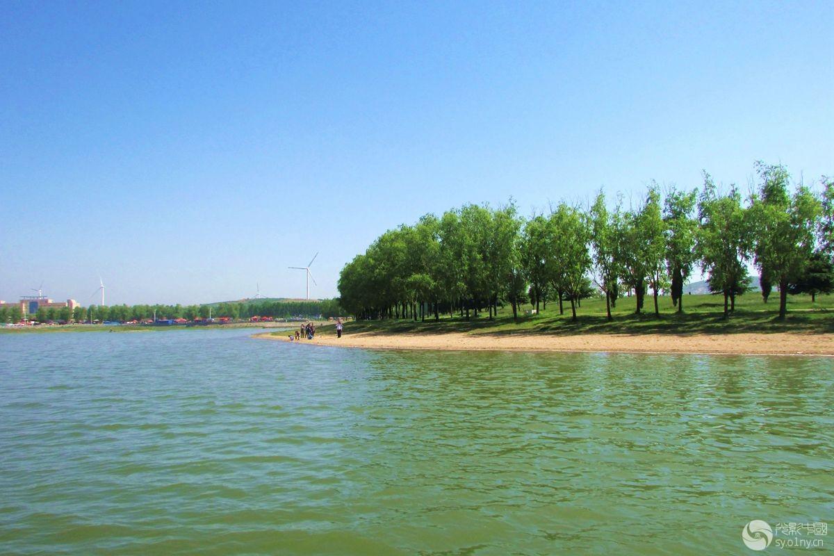湖畔风景1.jpg