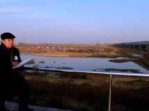 中国文联副主席、中国美术家协会主席刘大为在湍河渡槽写生