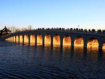 百年古桥美丽的金光穿洞