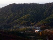 红叶山下有户人家