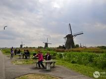 荷兰——孩提风车群