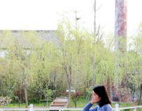 美女赏春春更美(21)