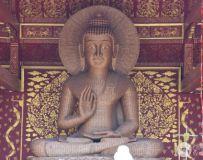傣庙供奉的竹编佛像