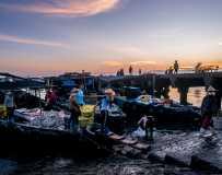 晨光下的渔港