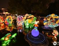 疫情防控之前的上海豫园灯展