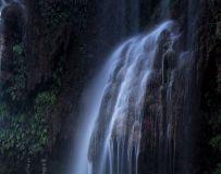 坐禅谷瀑布溪水