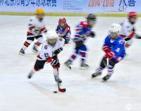 光影中国网2020年第6期月赛:七彩童年›(中国冰球的未来--拼抢)组照1--5
