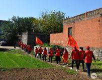 南阳市社区志愿者协会开展百名志愿者文明乡村行走进石桥镇活动 2