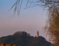 赤壁宝塔山