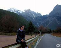 玉龙雪山下