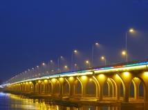 雪枫大桥夜色如此多娇