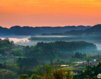 《山乡的早晨》