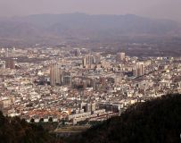寺山顶上瞰山城(西峡县城)