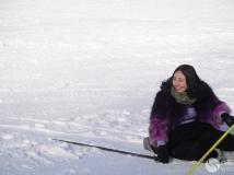 天龙池滑雪场 :摔倒的美女