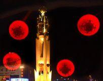 大红灯笼照鹰城