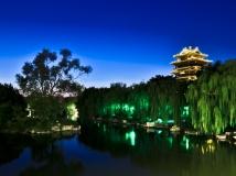 大 明 湖 夜 色