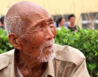 沉思的老人