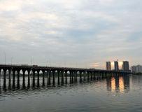 远眺雪枫大桥