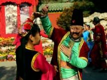 2014年2月参赛作品(一)  庙会上的 舞韵
