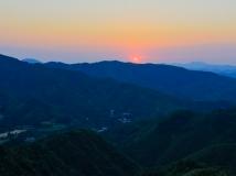 泉城日出与日落