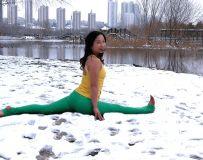 雪中练瑜伽