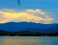 昆明湖上的霞光