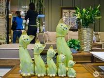 《六猫迎宾》
